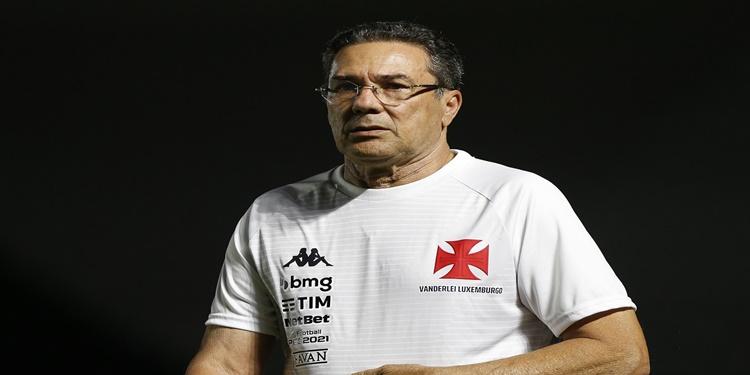 Luxemburgo faz análise de time e incentiva para próxima partida