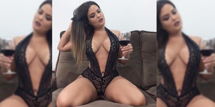 """Geisy Arruda dá """"boa noite"""" aos seguidores de lingerie transparente"""