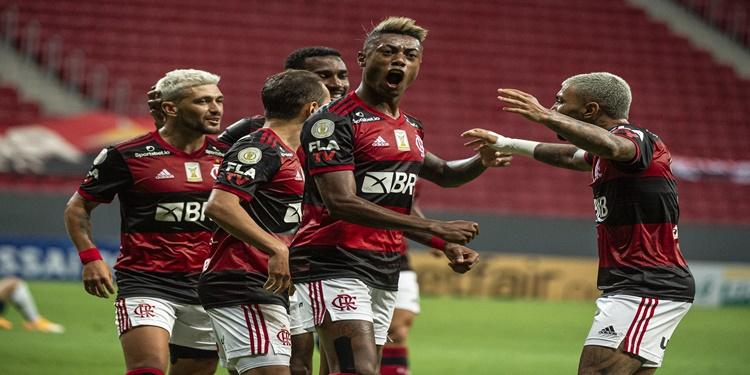 Palmeiras não reage diante do Flamengo que brilha e conquista o 3º lugar na tabela