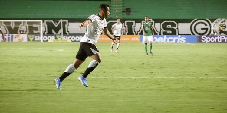 Com facilidade Ceará derrota o Goiás de 4 a 0 e marca o 6º triunfo fora de casa