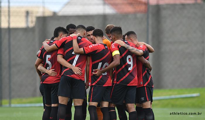 Furacão terá 23 jogadores à disposição para a partida contra o Flamengo