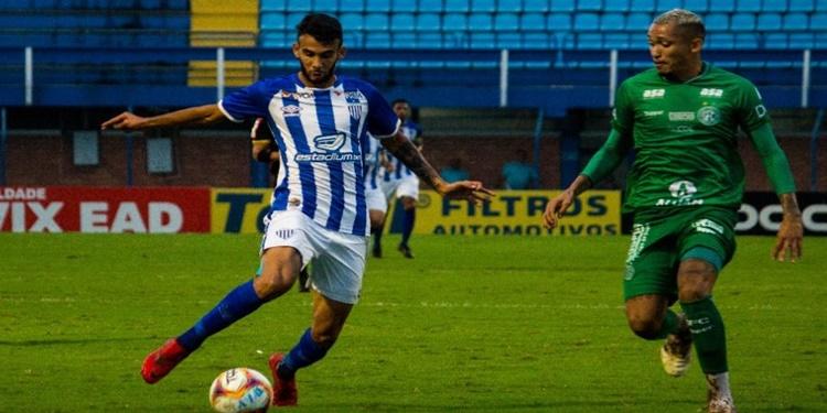 Guarani luta, mas perde com gol no fim para o Avaí fora de casa
