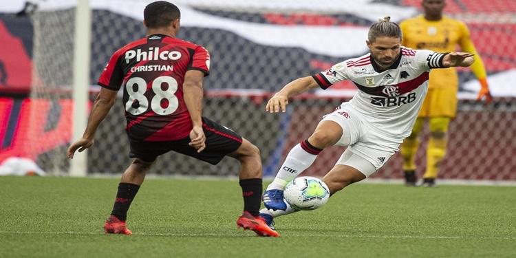 Flamengo perde para o Athletico PR e desperdiça chance de subir na tabela