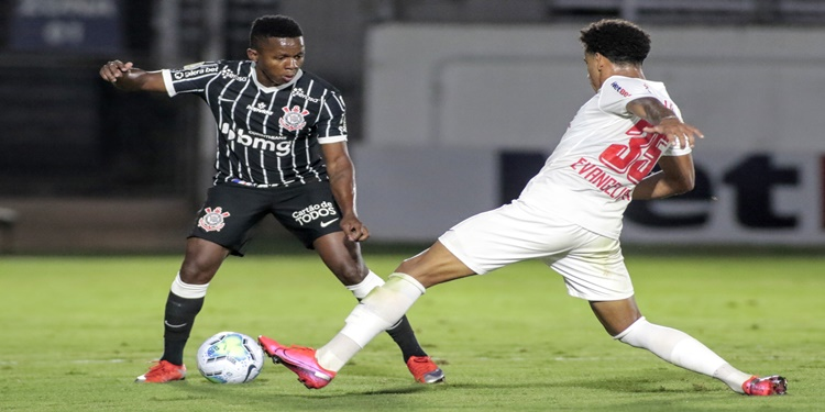 Corinthians enfrenta com Red Bull Bragantino nesta segunda pela 54ª vez