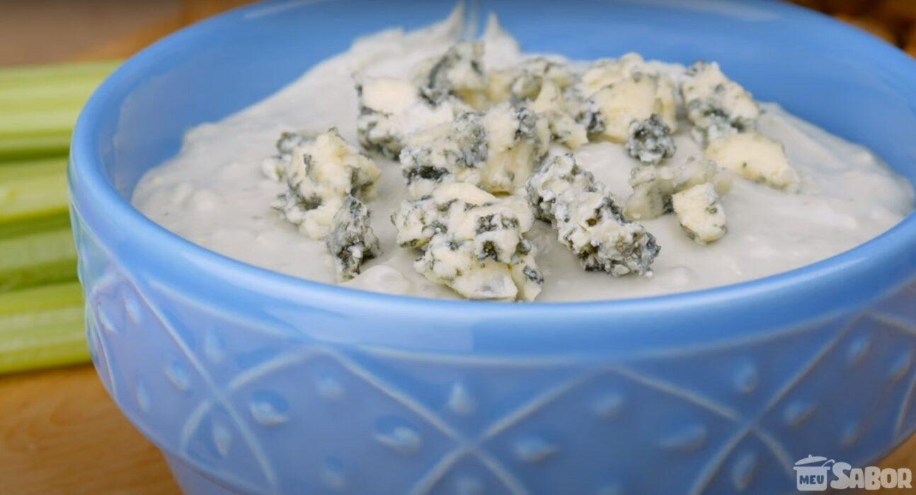 Reunião com os amigos e não sabe o que preparar? Que tal servir essa maravilha de Patê de Queijo Gorgonzola