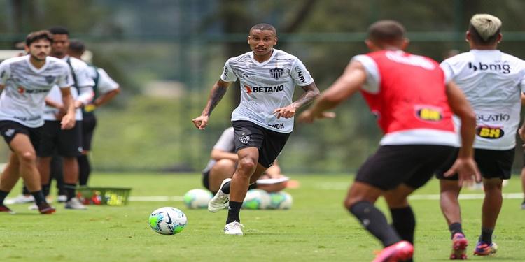 Atlético MG treina para enfrentar o Bahia no Mineirão