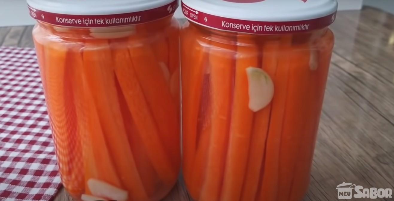 Conserva caseira de cenouras, chega a dar água na boca só de pensar!