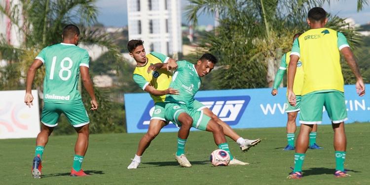 Goiás treina para enfrentar o Vasco na última competição do Campeonato