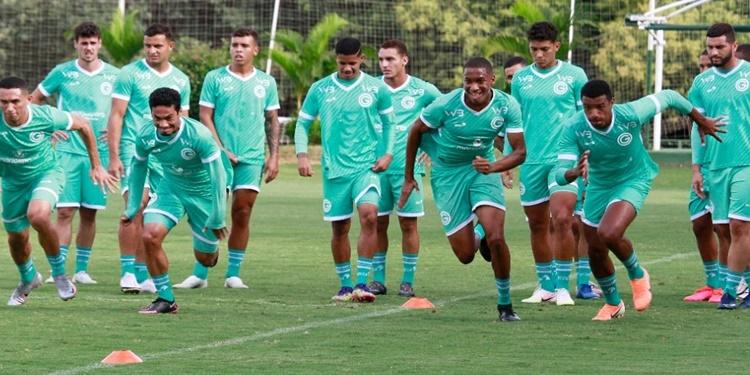 Goiás faz treino puxado para jogos de quarta e domingo