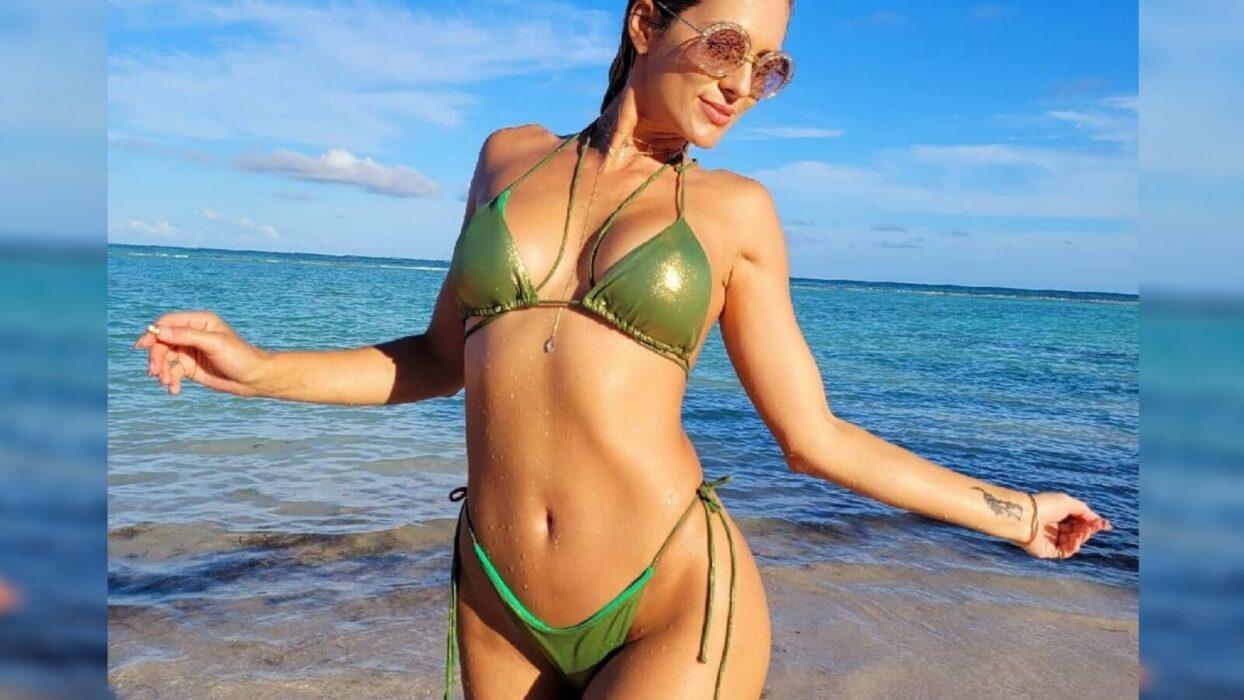 Lívia Andrade aposta em biquíni ousado e dá show de sensualidade e boa forma