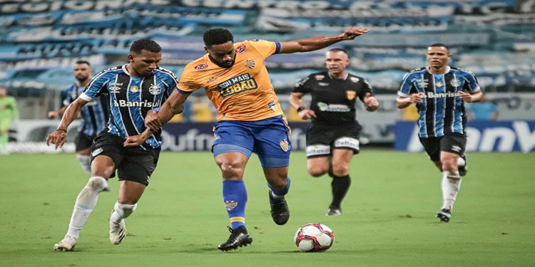 Grêmio derrota Pelotas pelo Campeonato Gaúcho