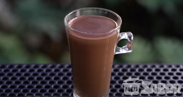 Friozinho chegando que tal preparar um delicioso chocolate quente para assistir um filminho?