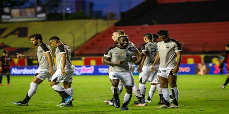 Na Ilha do Retiro, Ceará domina o jogo e goleia o Sport