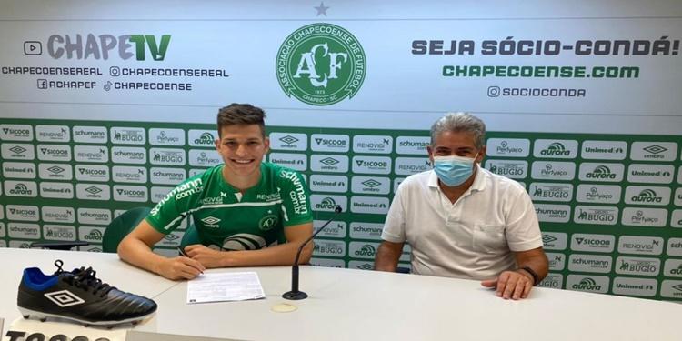 Chapecoense prorroga contrato de Perotti até dezembro de 2024