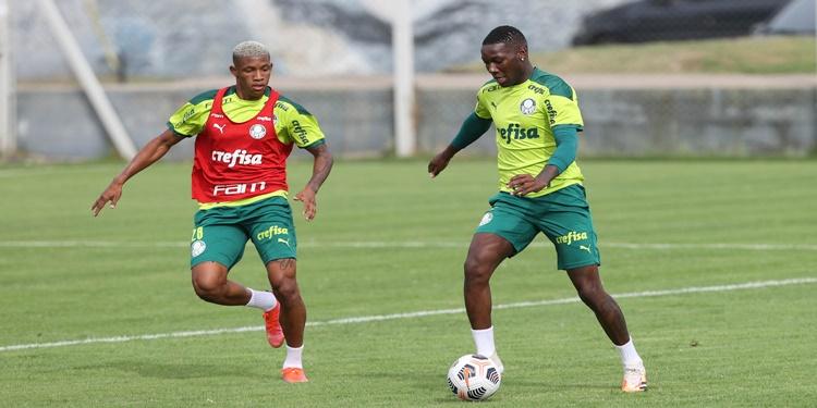 Palmeiras realiza treino tático visando Duelo contra o Flamengo