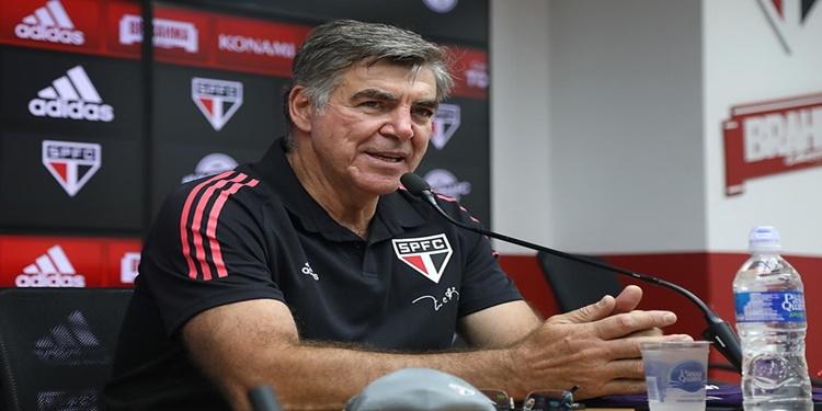 """Zetti é apresentado no São Paulo: """"Vamos dar continuidade à tradição de goleiros"""""""