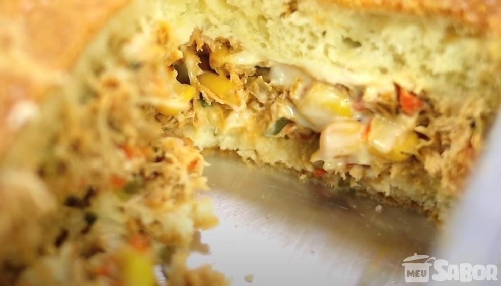 Use seu liquidificar para fazer um torta de frango com requeijão maravilhosa e sem bagunça!