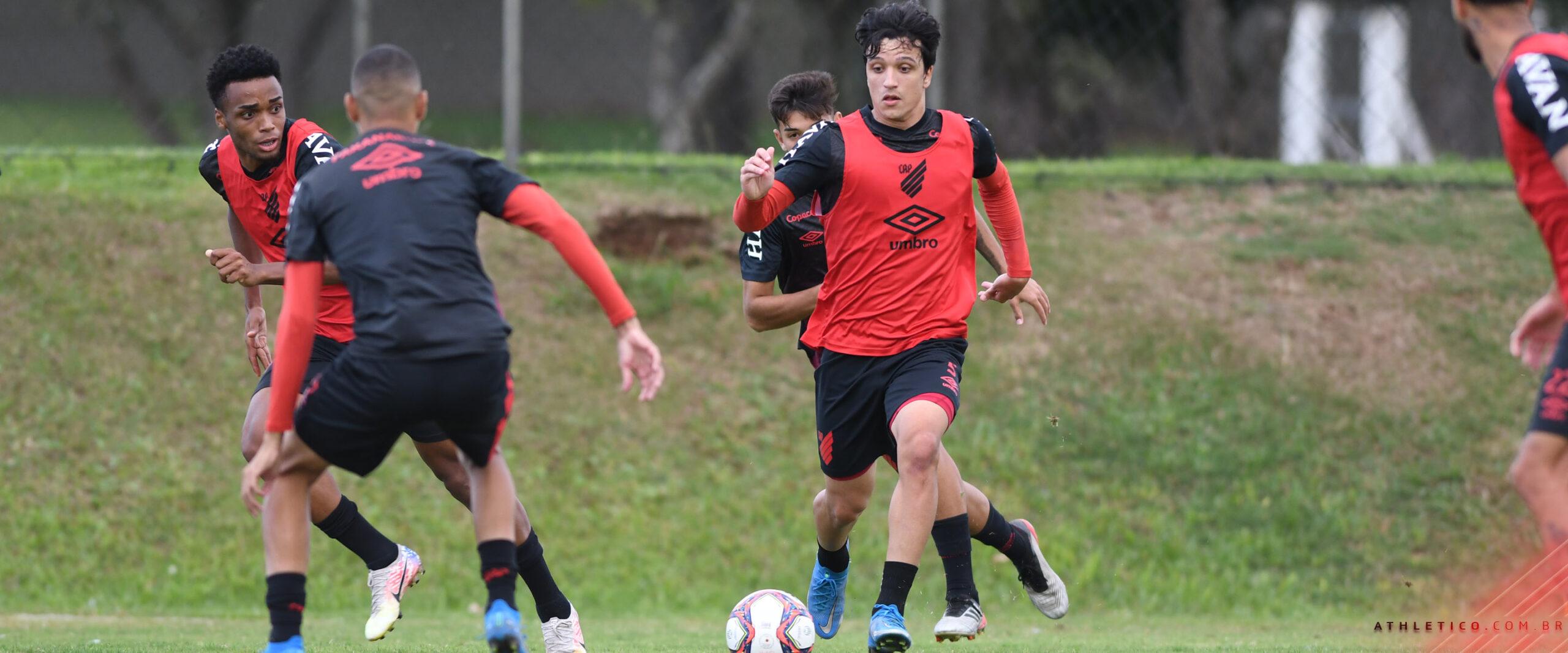 Equipe do Athletico realiza o penúltimo treino antes de retornar ao Campeonato Paranaense