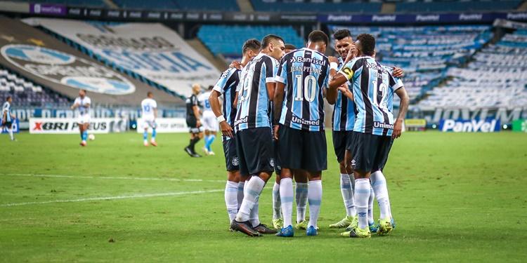 Grêmio assume a liderança e garante vaga na semifinal do Gauchão