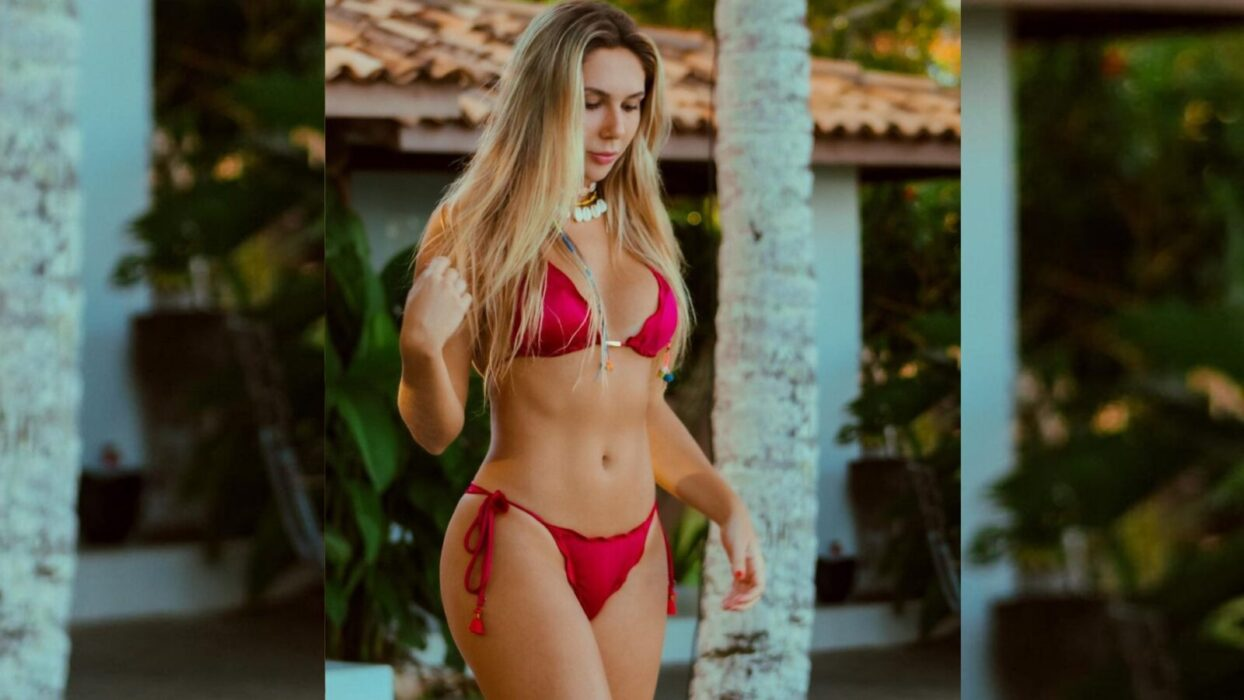 Carolina Portaluppi renova o bronzeado na praia e ostenta curvas sensuais: