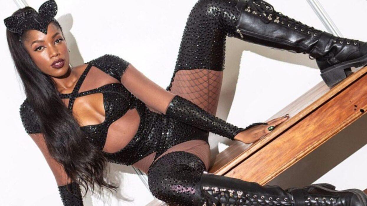 Iza esquenta as redes sociais com vídeo de lingerie e bebida: