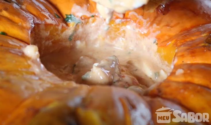 Aprenda a fazer um maravilhoso peixe na moranga e arrase na cozinha com esse prato incrível!
