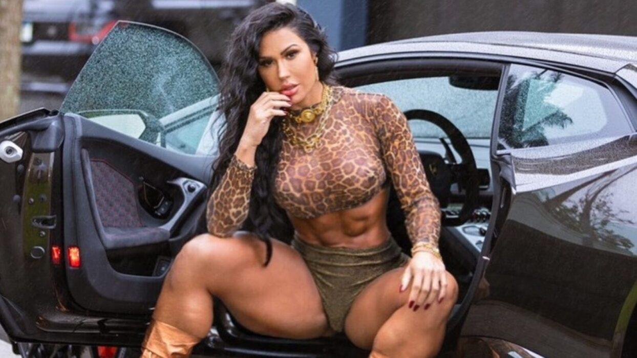 Gracyanne Barbosa quebra a internet ao posar de look ousado: