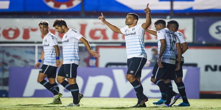 Grêmio vence o Caxias no primeiro confronto da semifinal do Gauchão