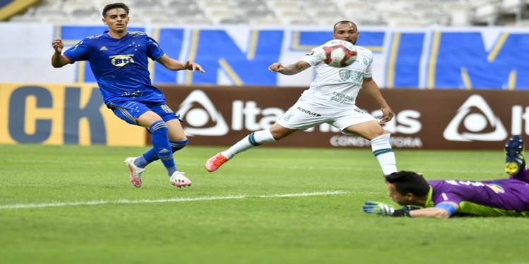 América vence o Cruzeiro de virada na primeira metade da semifinal