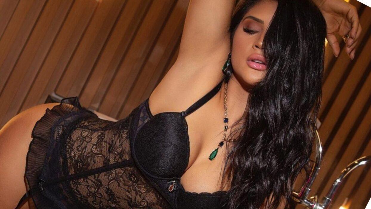 Mileide Mihaile coloca os pernões pra jogo em clique sedutor: