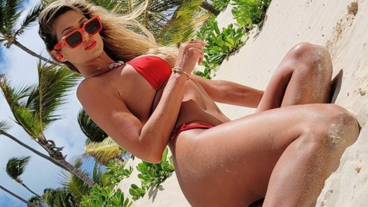 Lívia Andrade surge tomando banho e esquenta o mundinho virtual:
