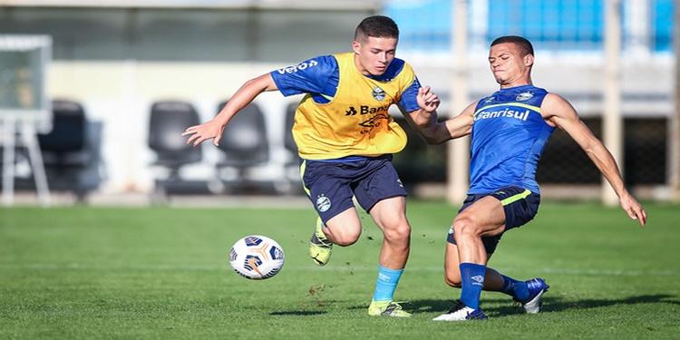 Grêmio abre semana de treinos com foco na Sul-Americana