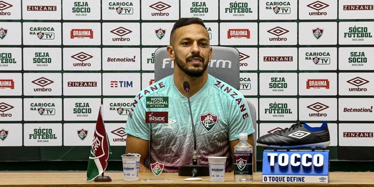 Yago do Fluminense celebra evolução, minimiza desgaste físico e projeta decisões