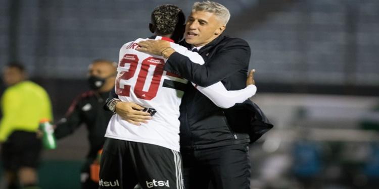 São Paulo desperdiça pênalti e fica no empate com o Rentistas pela Libertadores
