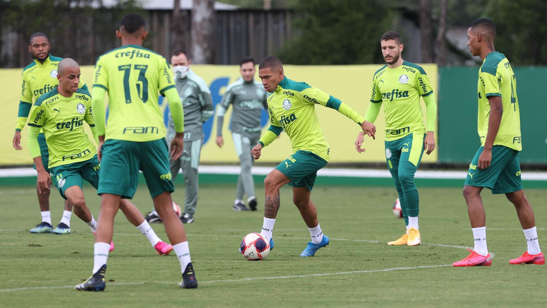 Na semi do Paulista pela oitava vez seguida, Verdão treina em preparação para o Dérbi