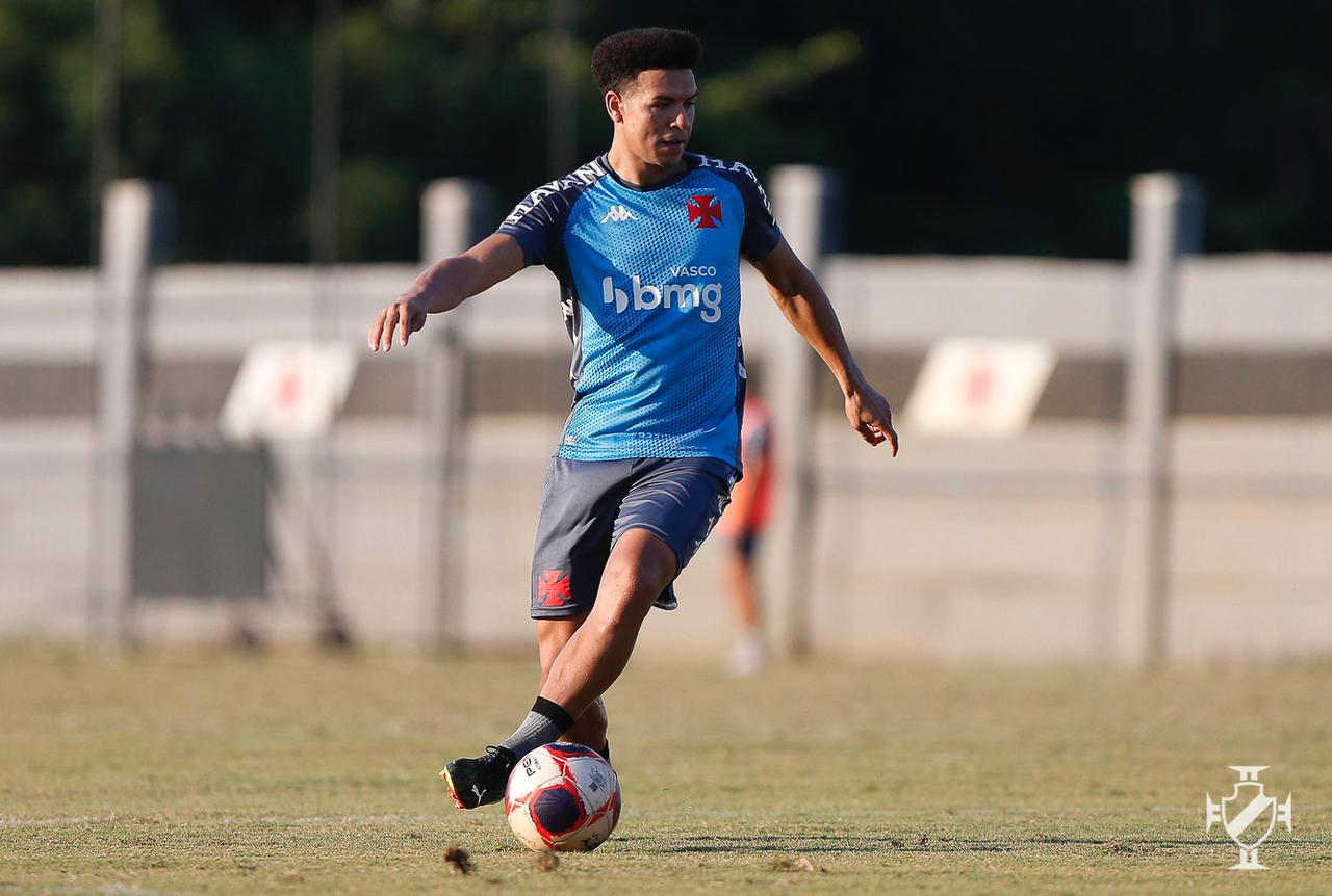 Vasco encara Ponte Preta neste domingo pelo Brasileirão